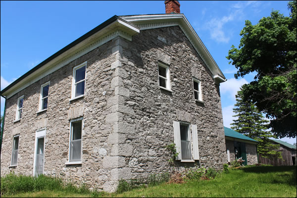 stone home near stirling ontario