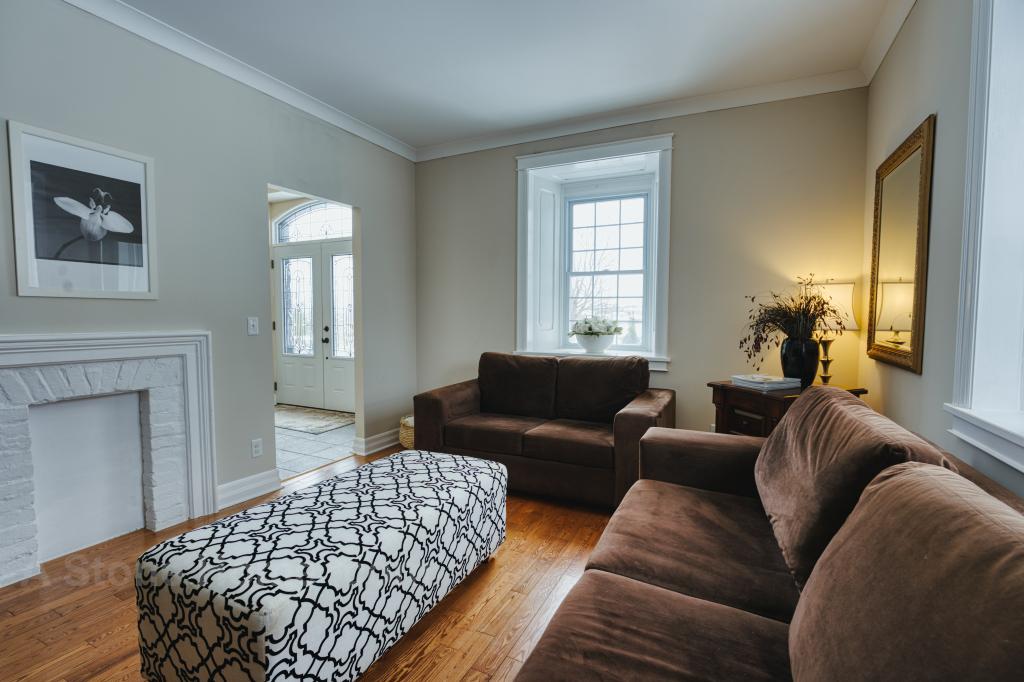 Ontario stone home near Lombardy livin room